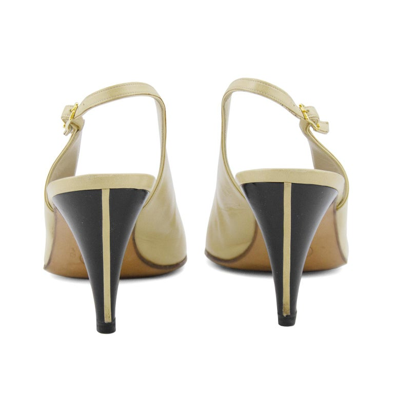 Women's Chanel Early 1990s Beige and Black Slingbacks  For Sale