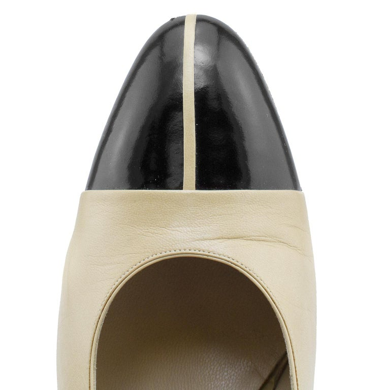 Chanel Early 1990s Beige and Black Slingbacks  For Sale 1
