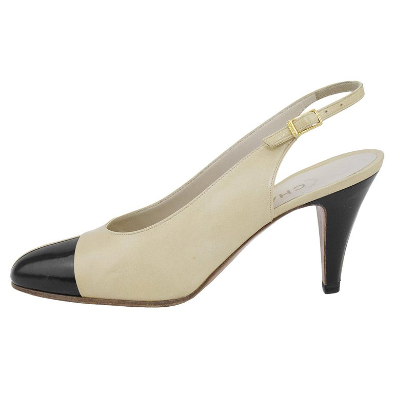 Chanel Early 1990s Beige and Black Slingbacks  For Sale