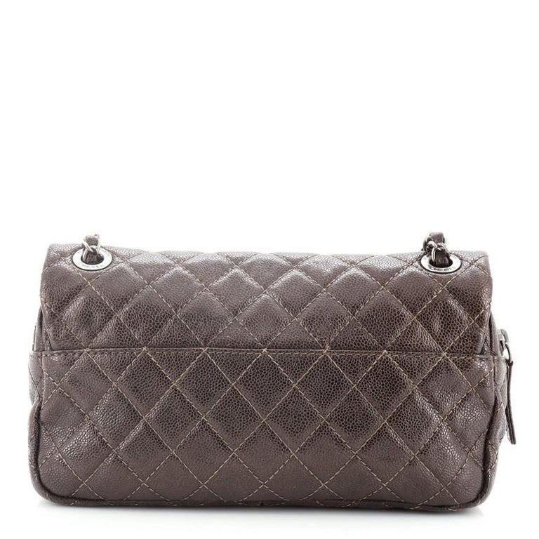 Chanel Easy Flap Bag Quilted Caviar Medium In Good Condition For Sale In New York, NY