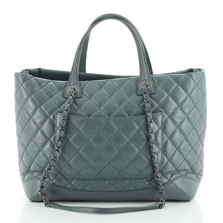 Chanel Easy Shopping Tote Quilted Calfskin Large In Good Condition For Sale In New York, NY