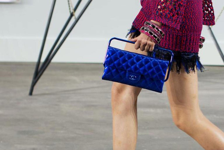 Chanel Electric Blue Patent Leather Quilted Runway Clutch In Excellent Condition For Sale In Miami, FL
