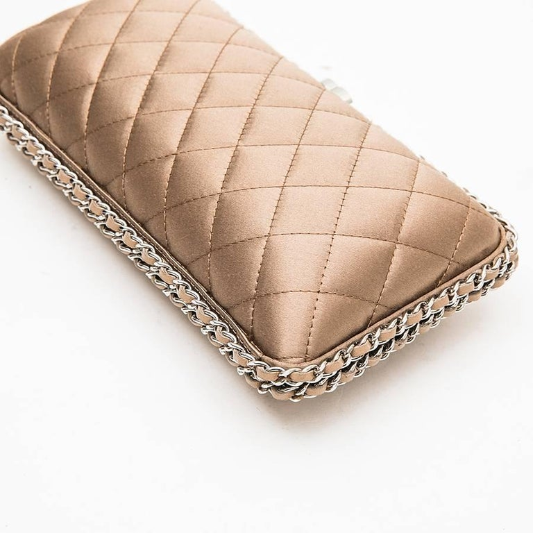 CHANEL Evening Clutch in Quilted Golden Beige Silk Satin For Sale 1