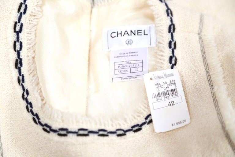 CHANEL fall 2004 runway tunic skirt and matching coat in boucle wool - new For Sale 7