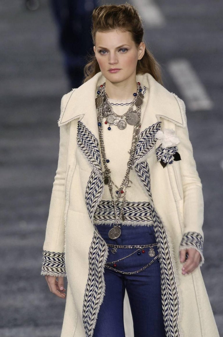 CHANEL fall 2004 runway tunic skirt and matching coat in boucle wool - new For Sale 9