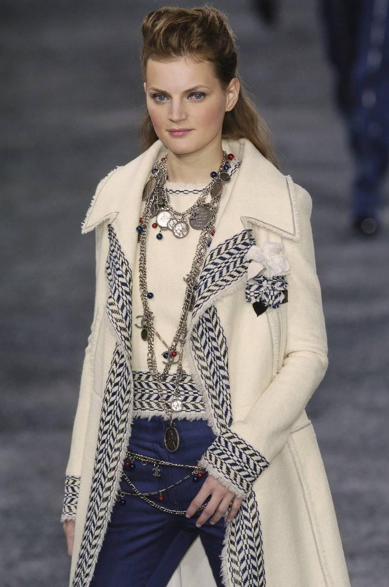 CHANEL fall 2004 runway tunic skirt and matching coat in boucle wool - new For Sale 10