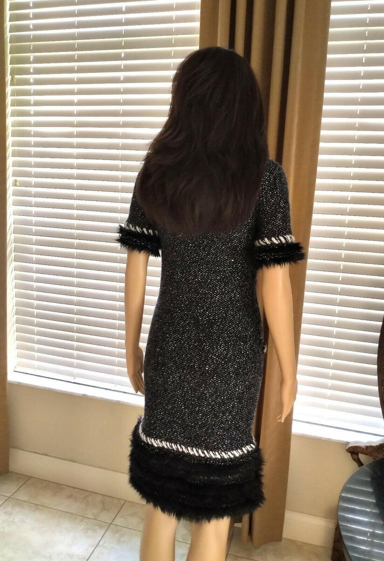 Chanel Fall 2010 Black & White Tweed Cashmere Fur Fringe Dress FR 38/ US 4 6 For Sale 2