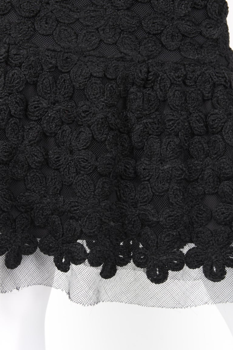 Chanel Fall/Winter 2005 Black Floral Crotchet Camelia Wool Mesh Dress In Excellent Condition For Sale In Baarn, NL
