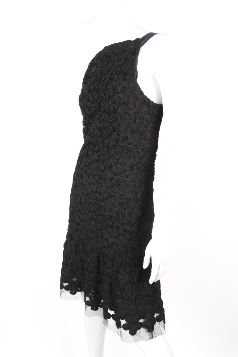 Chanel Fall/Winter 2005 Black Floral Crotchet Camelia Wool Mesh Dress For Sale 2