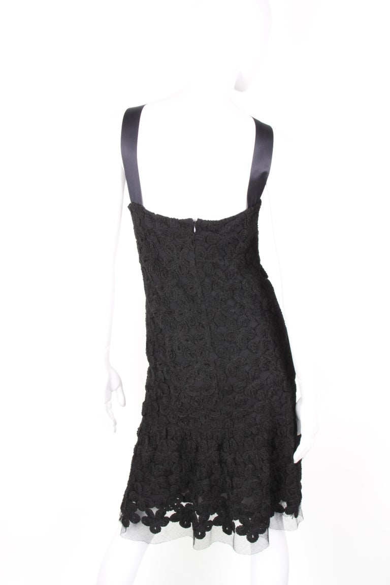 Chanel Fall/Winter 2005 Black Floral Crotchet Camelia Wool Mesh Dress For Sale 3