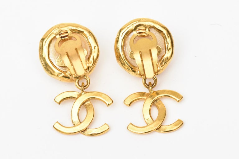Women's Chanel Faux Pearl and Gold Plated Drop Clip On Earrings Vintage For Sale