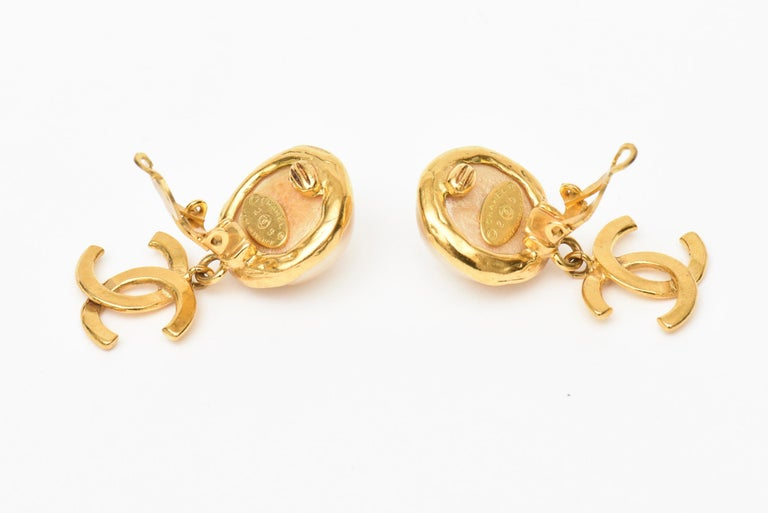 Chanel Faux Pearl and Gold Plated Drop Clip On Earrings Vintage For Sale 1