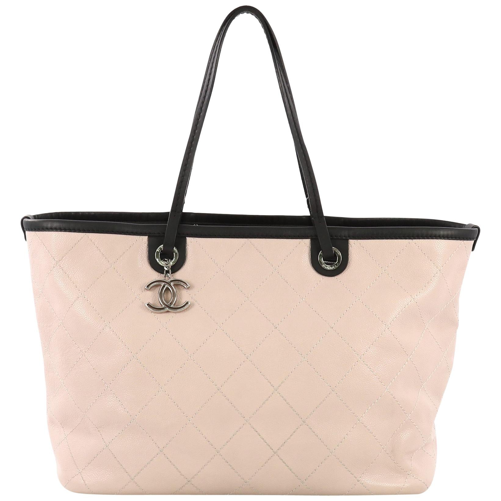 a567dcbe71b7 Vintage Chanel Tote Bags - 604 For Sale at 1stdibs - Page 3