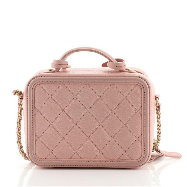 Chanel Filigree Vanity Case Quilted Caviar Small In Good Condition For Sale In New York, NY
