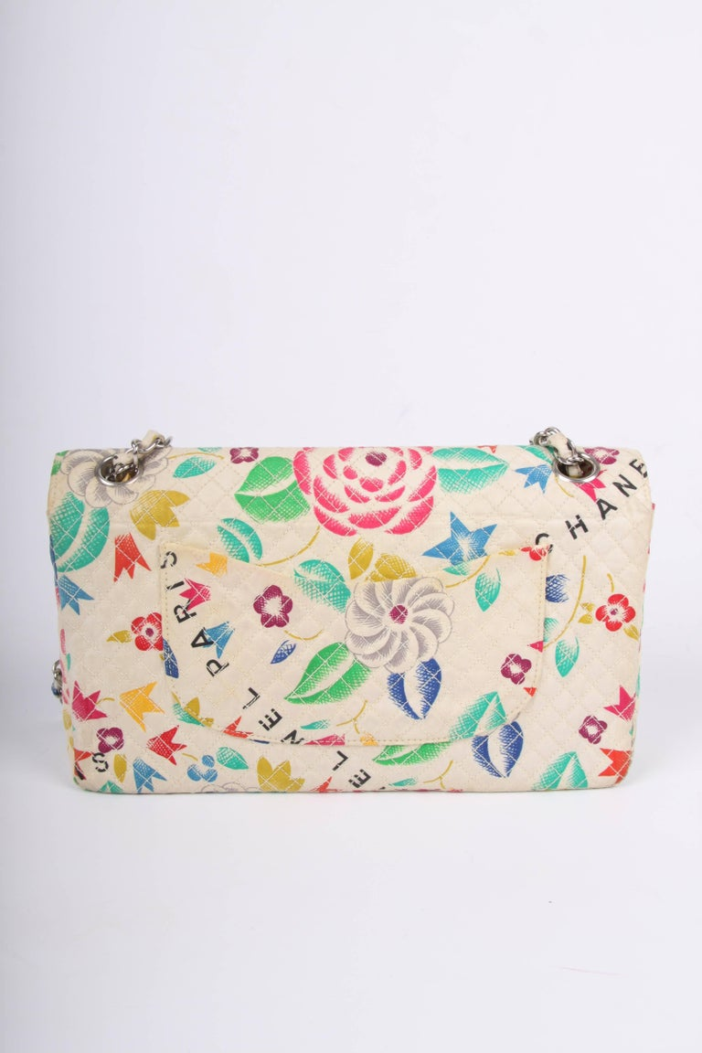 Chanel Vintage Flower Print multicolor Single Flap Bag, 1996-1997 In Good Condition For Sale In Baarn, NL