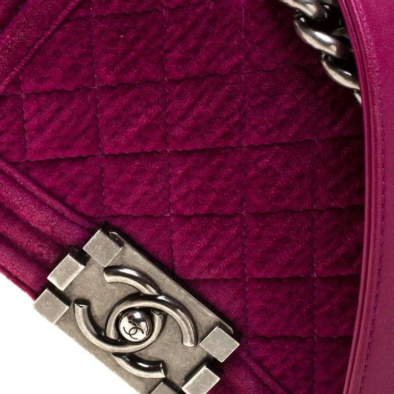 Chanel Fuchsia Quilted Velvet Small Boy Flap Bag In Good Condition In Dubai, Al Qouz 2