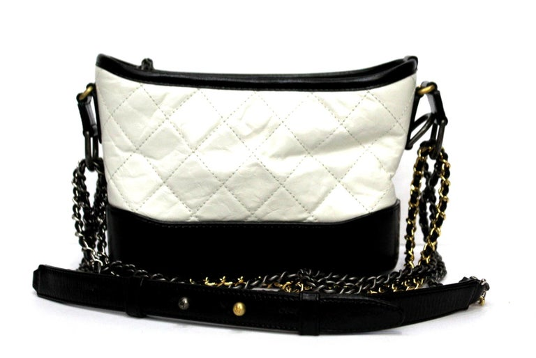 Chanel Gabrielle In Excellent Condition For Sale In Torre Del Greco, IT