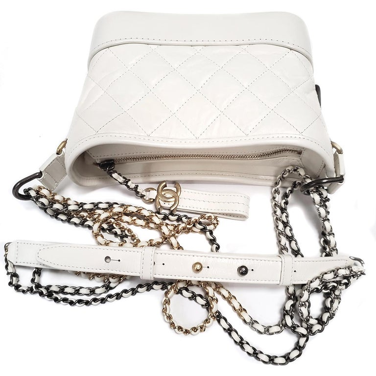 Women's Chanel Gabrielle Ivory Quilted Hobo Bag For Sale