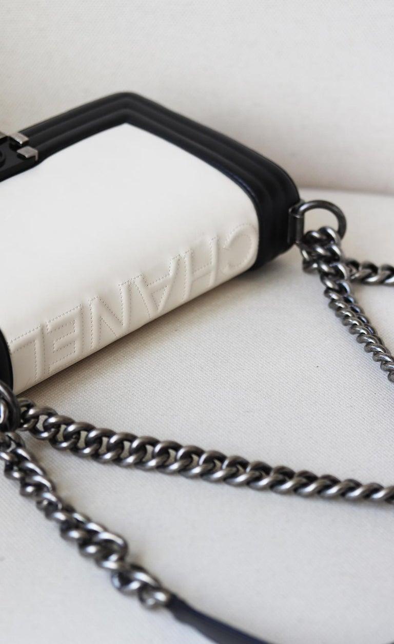 Chanel Glazed Calfskin Leather Boy Flap Bag For Sale 2