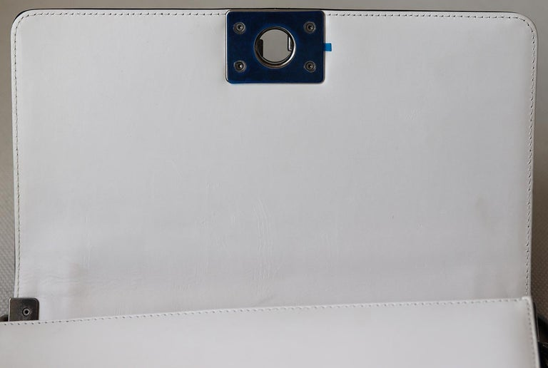 Chanel Glazed Calfskin Leather Boy Flap Bag For Sale 3