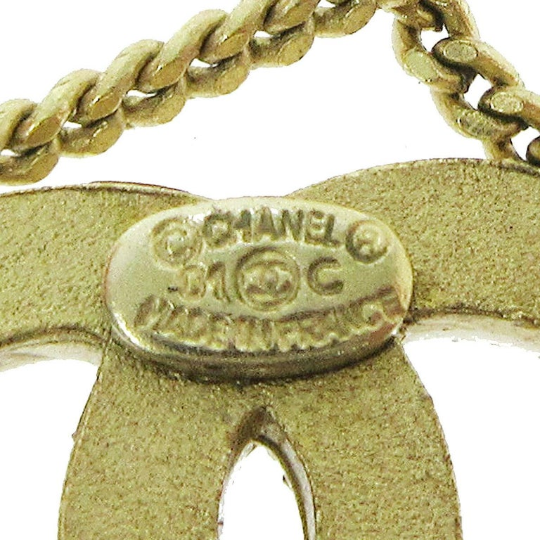 Women's Chanel Gold 5 and CC Charms Drape Lariat Evening Dangle Chain Necklace  For Sale