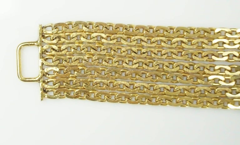 Chanel Gold Chain Link Belt/Necklace with Gripoix and Pearl Camelias-Circa 70's For Sale 4