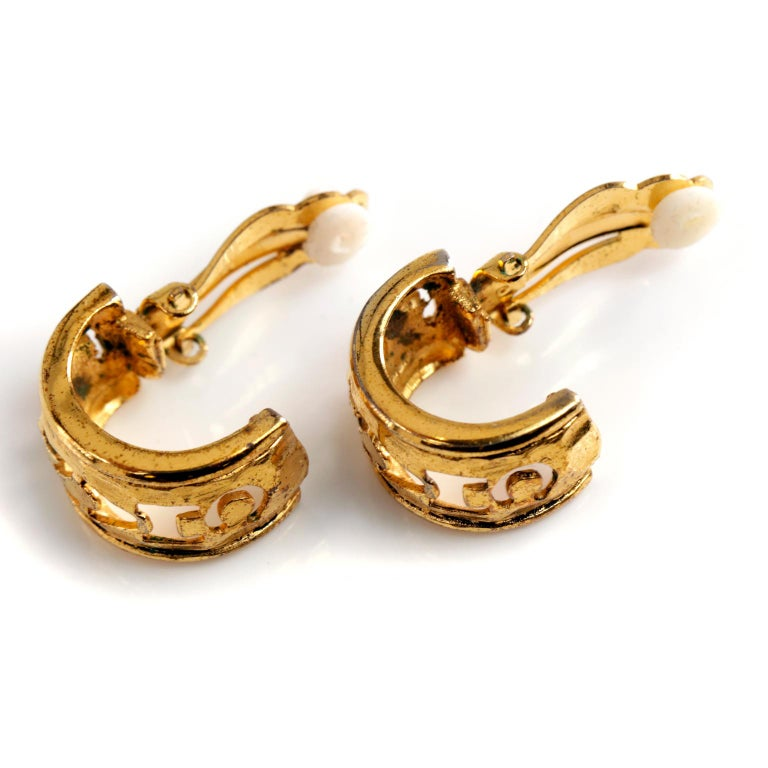Chanel Gold CHANEL Cutout Clip On Earrings For Sale 1