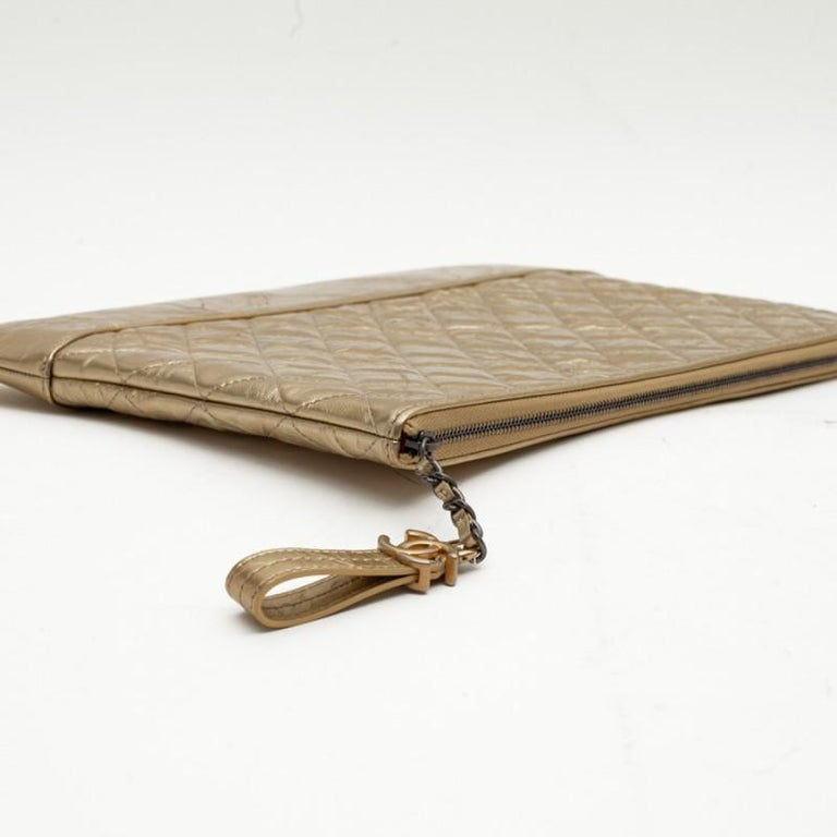 CHANEL Gold Clutch In Aged Leather For Sale 3