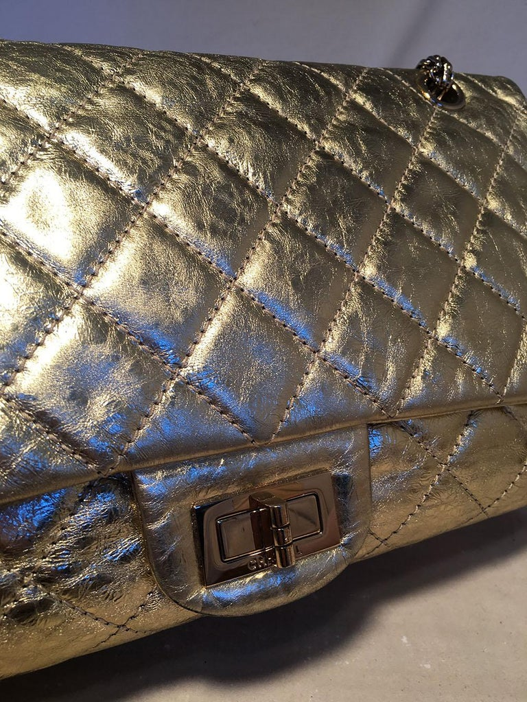 Women's Chanel Gold Distressed Leather 2.55 Reissue 227 Double Flap Classic For Sale