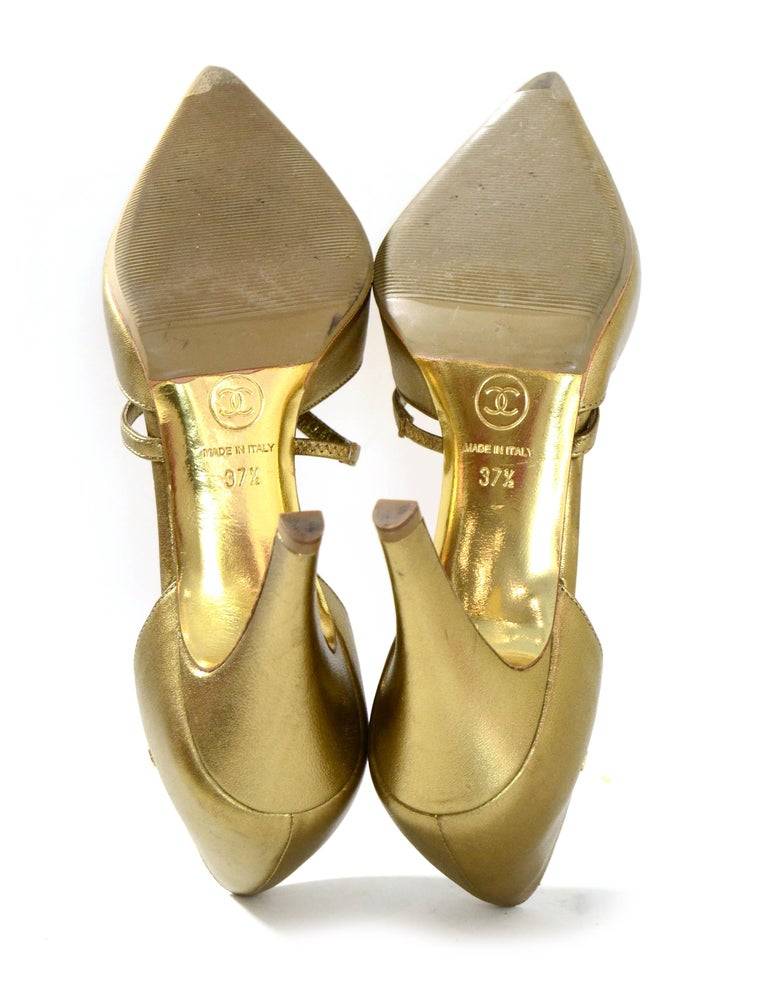 Women's Chanel Gold Leather Pointy Toe Pumps sz 37.5 For Sale