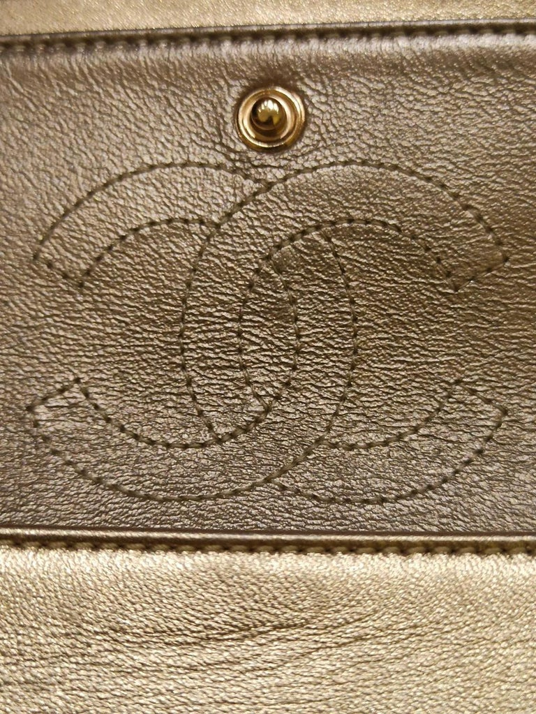 Chanel Gold Limited Edition Lamé Bag For Sale 2