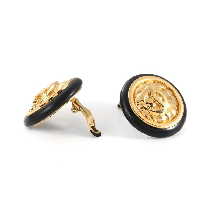 Women's Chanel Gold Quilted CC Earrings For Sale