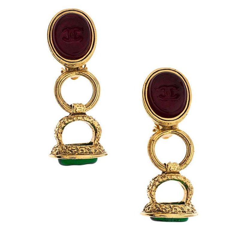 Contemporary Chanel Gold Tone Red and Green Gripoix Stone Clip-on Earrings For Sale