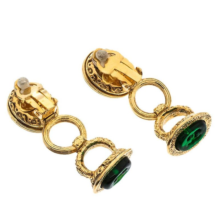 Women's Chanel Gold Tone Red and Green Gripoix Stone Clip-on Earrings For Sale