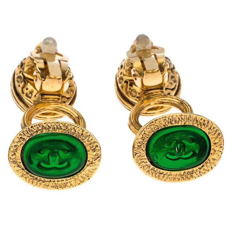 Chanel Gold Tone Red and Green Gripoix Stone Clip-on Earrings For Sale 1