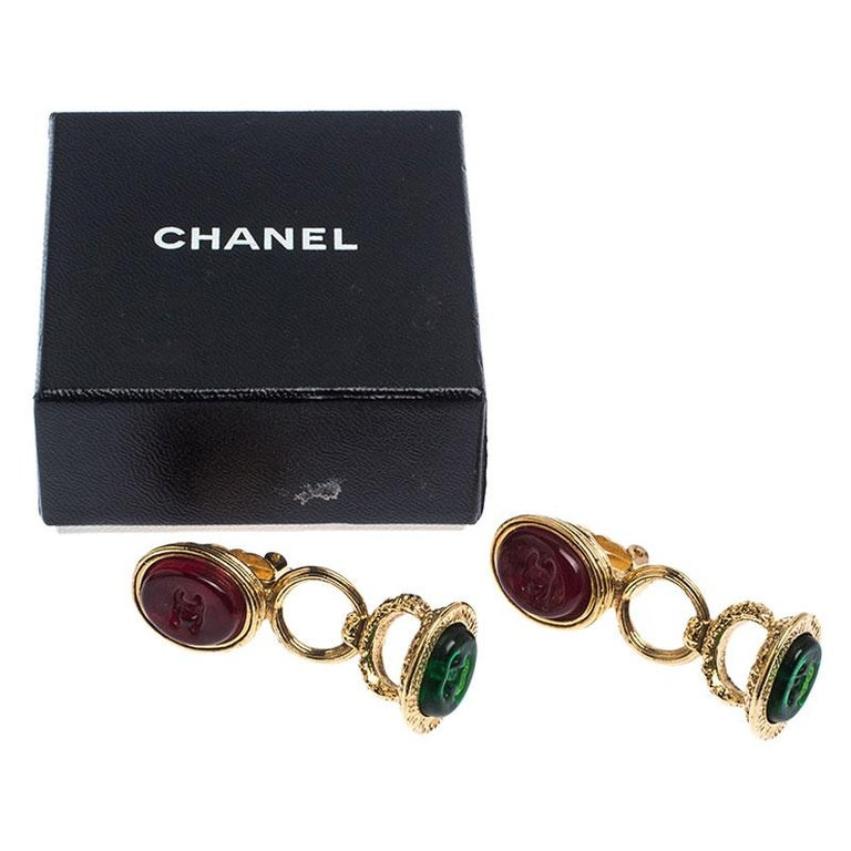 Chanel Gold Tone Red and Green Gripoix Stone Clip-on Earrings For Sale 2