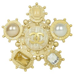 Chanel Goldtone CC Brooch/Pendant w. Faux Pearl and Crystal/Glass & Tweed Detail