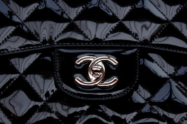 Chanel gorgeous black patent leather, 2009 – 2010 For Sale 7