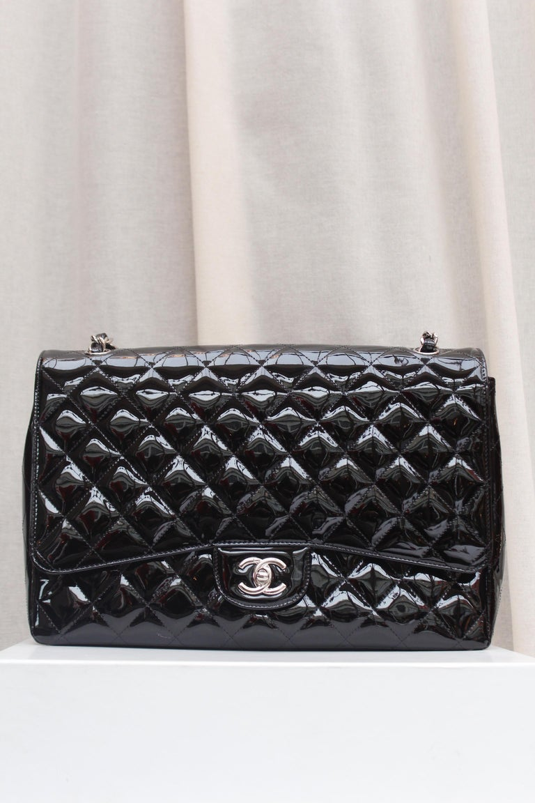 Black Chanel gorgeous black patent leather, 2009 – 2010 For Sale