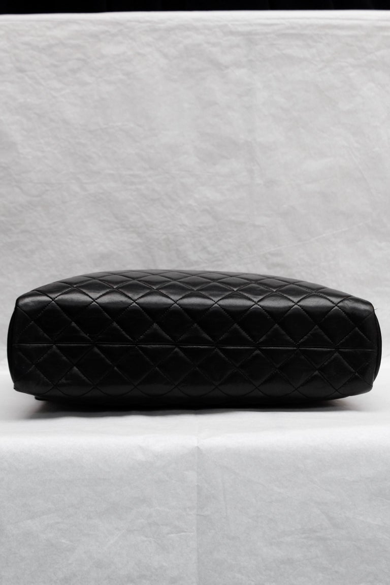 Chanel gorgeous camera bag in black quilted lambskin For Sale 2