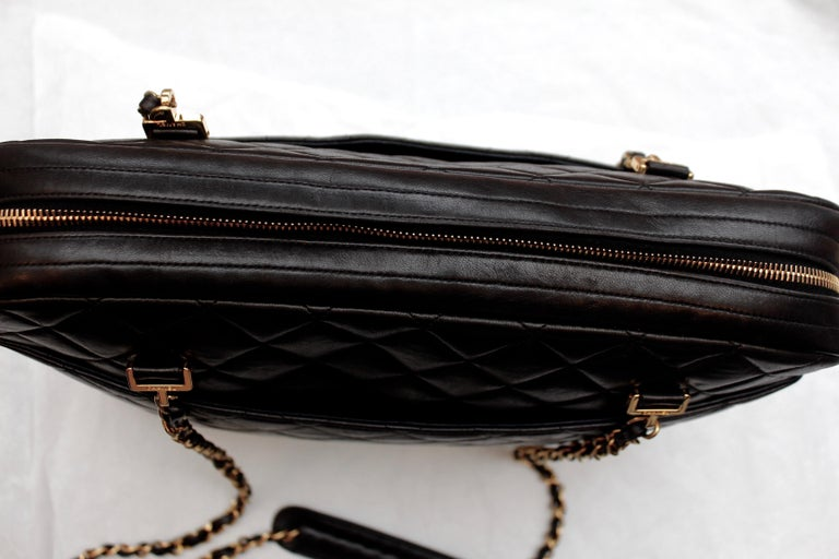 Chanel gorgeous camera bag in black quilted lambskin For Sale 3