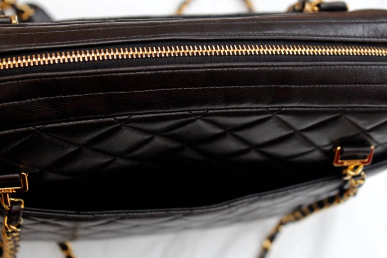 Chanel gorgeous camera bag in black quilted lambskin For Sale 4