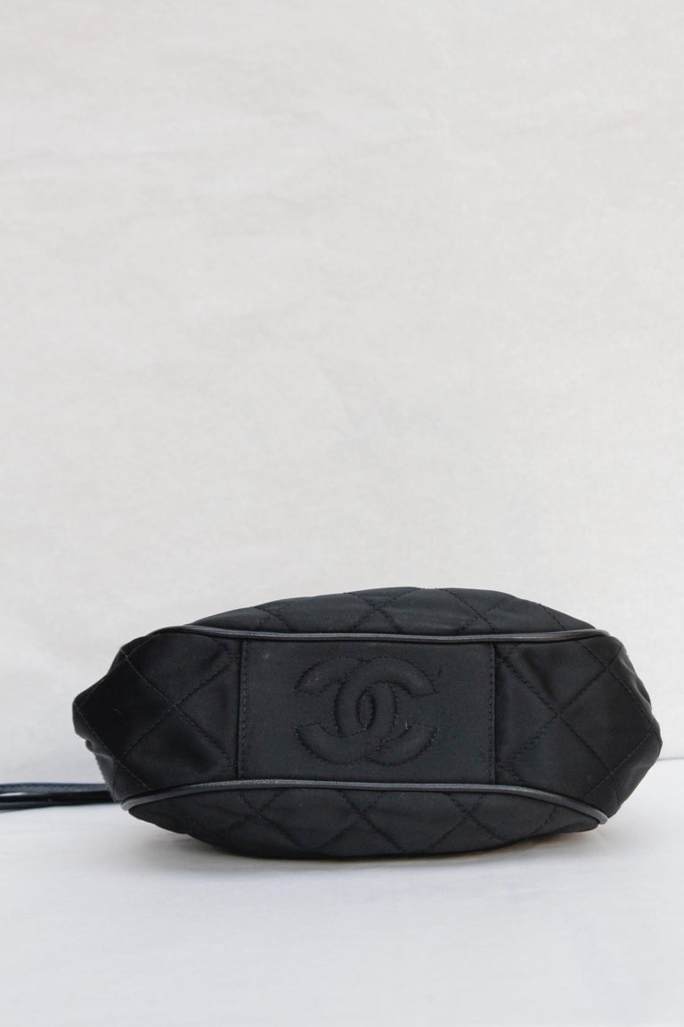 Chanel gorgeous evening bag in black quilted satin and leather, 1990's For Sale 2