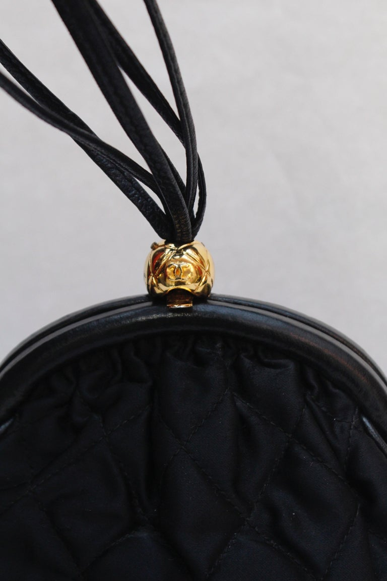 Chanel gorgeous evening bag in black quilted satin and leather, 1990's For Sale 4