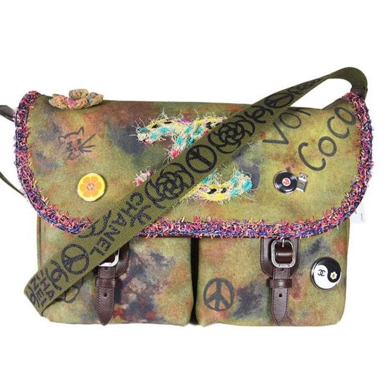 Women's or Men's Chanel Graffiti Box 2015 On The Pavement Khaki Canvas Messenger Bag For Sale