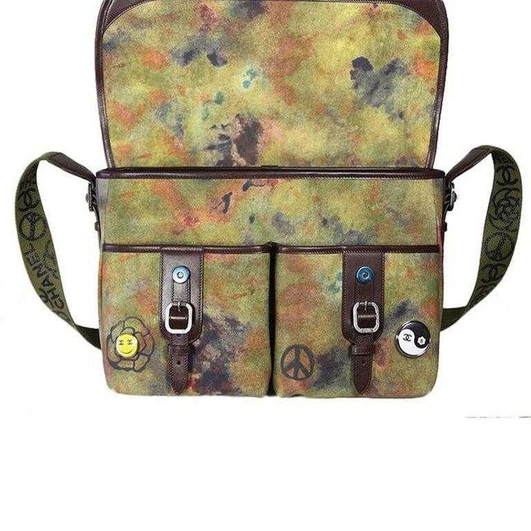 Chanel Graffiti Box 2015 On The Pavement Khaki Canvas Messenger Bag For Sale 1