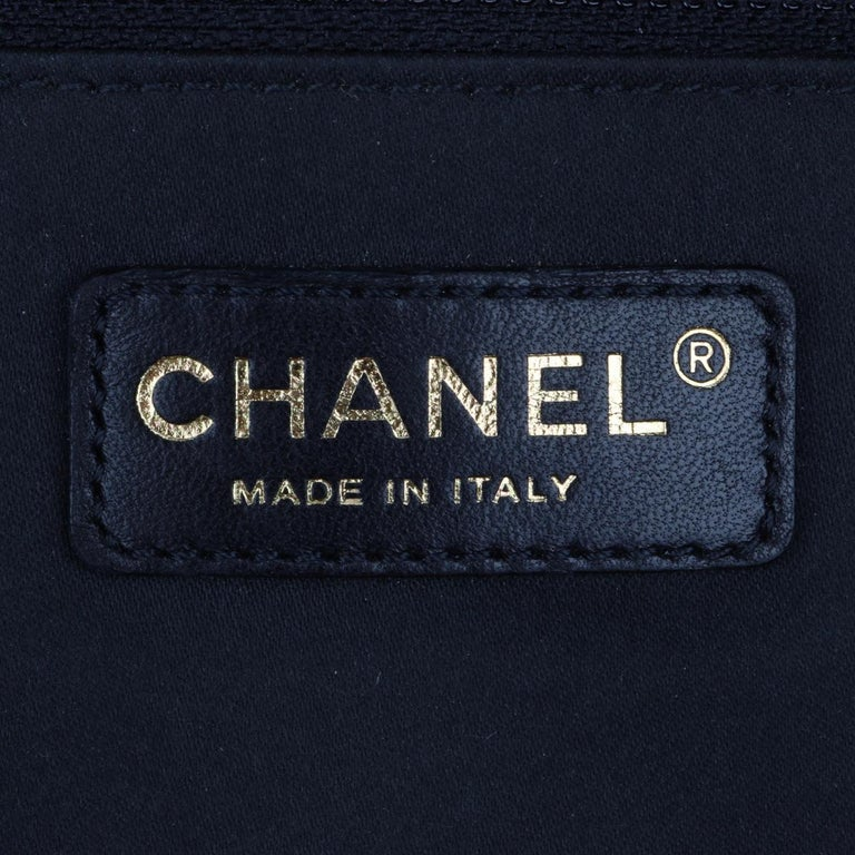 CHANEL Grand Shopping Tote (GST) Bag Black Caviar with Gold Hardware 2011 For Sale 10