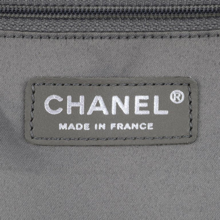 CHANEL Grand Shopping Tote (GST) Bag Burgundy Caviar with Silver Hardware 2014 For Sale 11