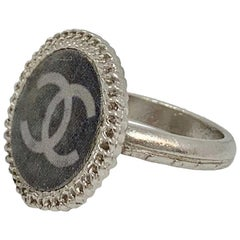 CHANEL Gray CC Logo Hologram Ring size 51