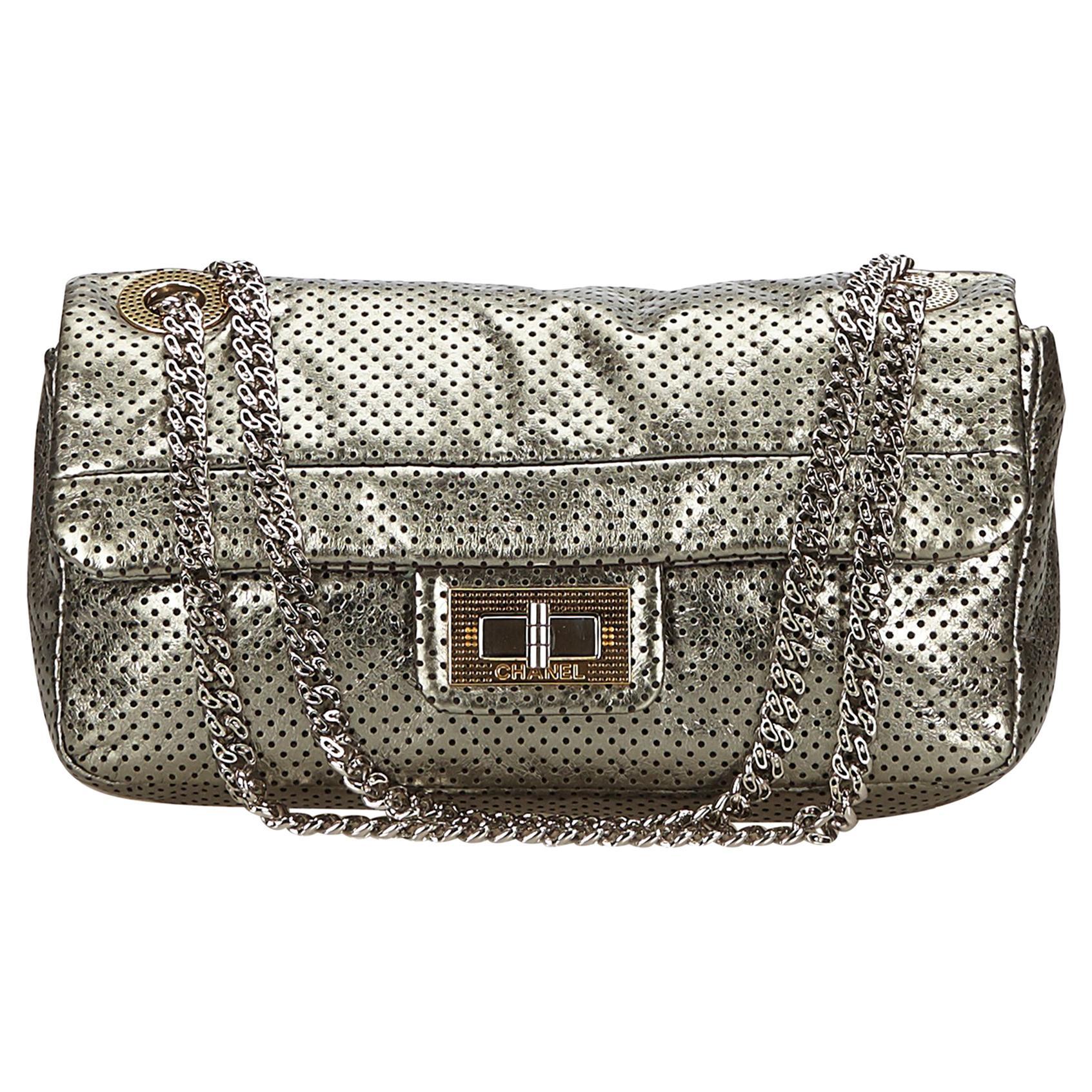 d17f8b468e90 Silver Handbags - 4116 For Sale on 1stdibs